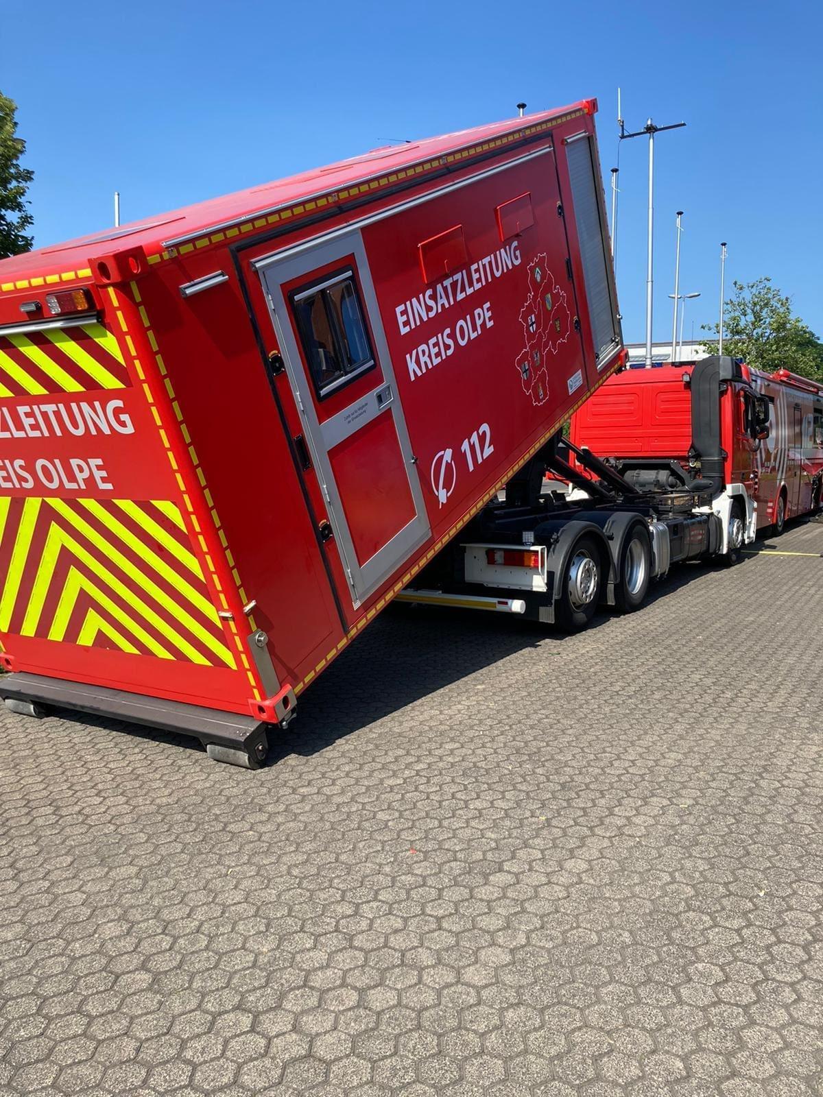 Feuerwehr-Führungseinheit aus dem Kreis Olpe hat in Erftstadt unterstützt